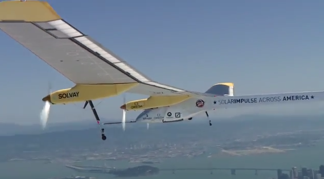 Solar Impulse Flys in San Francisco