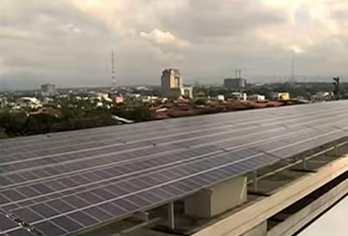 Manilla Hosts World's Largest Solar-Powered Shopping Mall